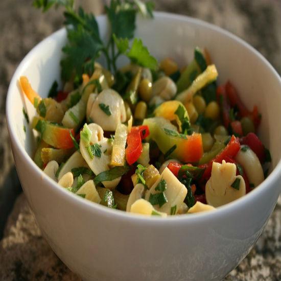 Kereviz ve Enginar Salatası